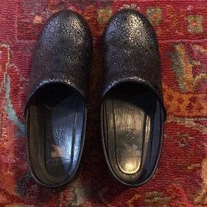 Dansko shoes! Size 41! Gently worn!